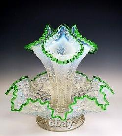 Fenton Opalescent Emerald Green Crest 3 Horn Glass Epergne Pristine Condition