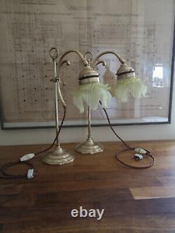 Paire de lampe en bronze art déco. Tulipe opalescent. Uranium, vaseline glass