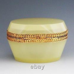 Antique Italien Au Large De La Crème Blanche Opaline Verre En Cristal Articulé Boîte Ou Cercueil