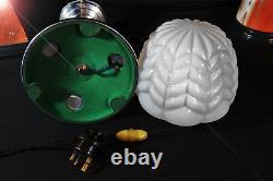 Art Déco Des Années 1940 Lampe De Bureau De Base Colonne Tubulaire Renforcé Géométrique Opaline Ombre