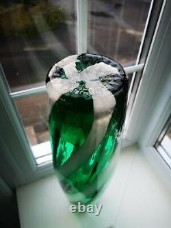 Empoli / Vase D'art En Verre Opalescente Vert Massif D'alrose Et Blanc