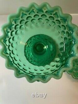 Fenton Art Verre Vert Opalescent Hobnail Recouvert De Piédestal Candy Dish