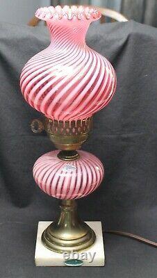 Fenton Canneberge Opalescent Spiral Swirl Etiquettes De Lampe 1