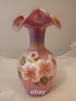 Fenton Raspberry Carnival Opalescent Tulipes Irisés Vase Floral Peint À La Main