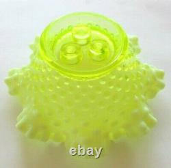Fenton Vaseline Hobnail Opalescent Art Glass Flower Epergne Vase Etats-unis
