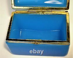 Français Opaline Glass Casket Trinket Box Ormolu Gilt Brass Mounts 1880s France