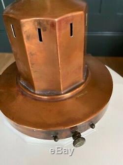 Grande Paire Art Déco Opaline Lait En Verre Et Cuivre Pendentif Lumières 1920