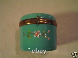 Insolite 19ème C. Antique Français Opaline Glass Hand Éameled Dresser Box
