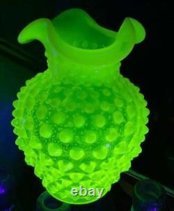 Old Vintage Uranium Vase Verdâtre-jaune Vaseline Hobbnail Opalescent Vase Volante