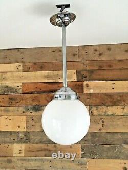 Paire De Art Deco Chrome Et Opalines Lumière Sphère Shades Plafond Rose & Pole