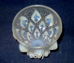 R Lalique Rampillon Opalescent Vase