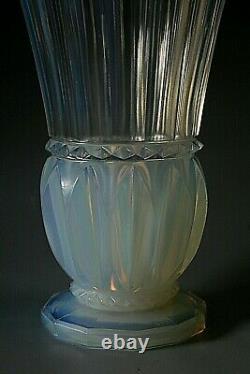Vase En Verre Opalescent Art Déco Pierre D'avessen