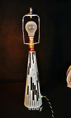 Vintage 1940s Art Deco Space Space Lampe D'âge Verre Mosaïque Opaline Tableau Peint À La Main