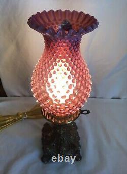 Vintage Fenton Art Cranberry Opalescent Hobnail Lampe A3