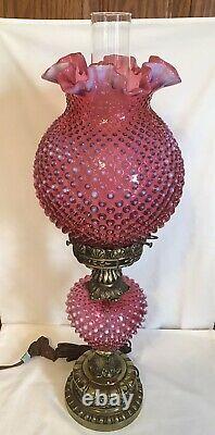 Vintage Fenton Art Glass Cranberry Opalescent Hobnail Lampe 2
