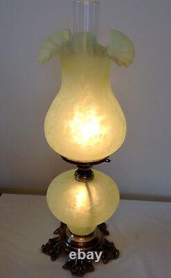Vintage Fenton Art Glass Satin Topaz Opalescent Fern Daisy Lampe
